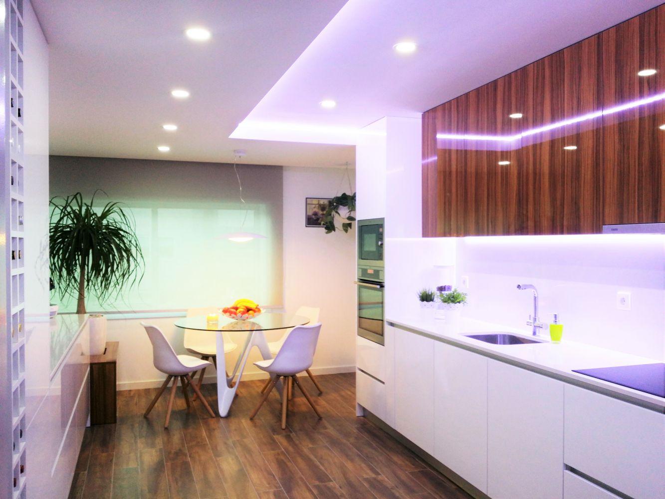 Espaço e Modernidade na Remodelação de Cozinha