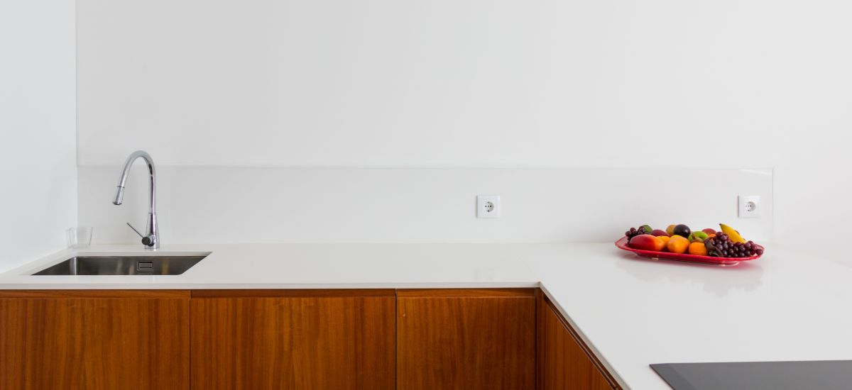 4 Ideias para personalizar a bancada da cozinha