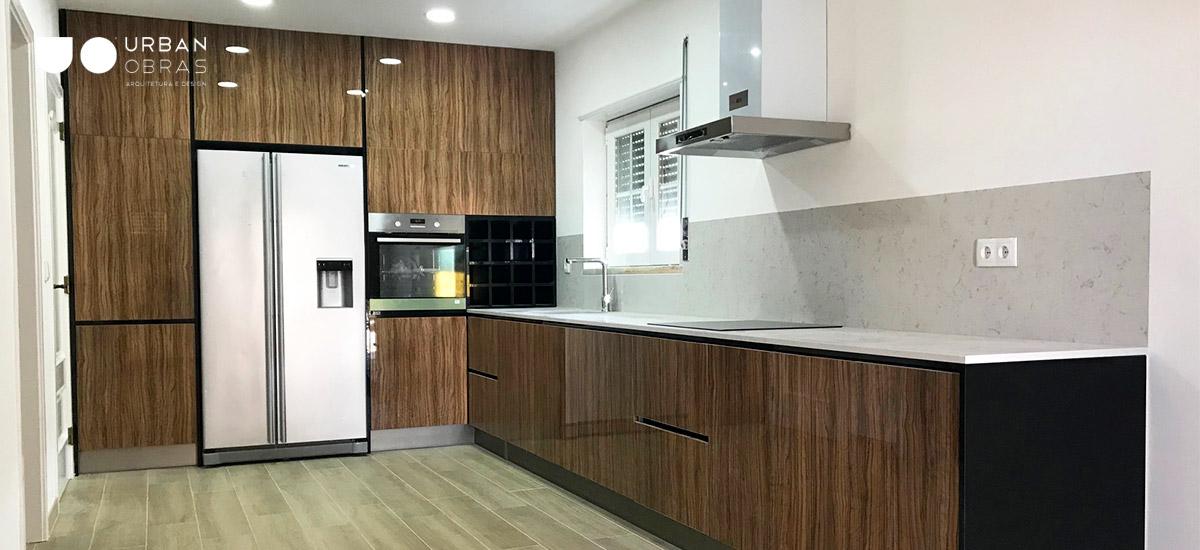 remodelação total de cozinha, mobiliário à medida, eletrodomesticos encastrados