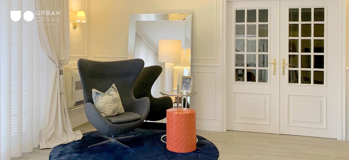 decoração de recanto de sala, Decoração de interiores, design de interiores e decoração de sala, decoração em tons de azul e dourado, decoração de sala em azul, remodelações de casa, obras de casa