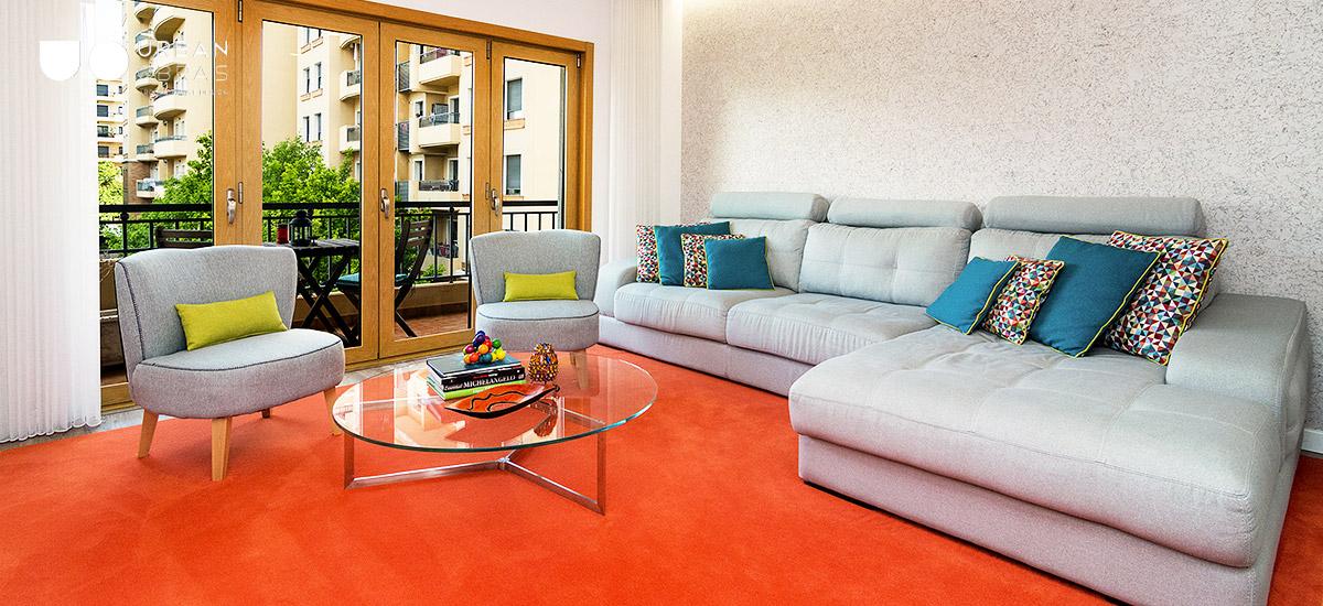 Sala jovem, sala colorida, decoração de sala em apartamento, cores para sala, decoração de interiores, ideias de decoração para sala, reabilitação de apartamento, obras de reabilitação, remodelações de casa