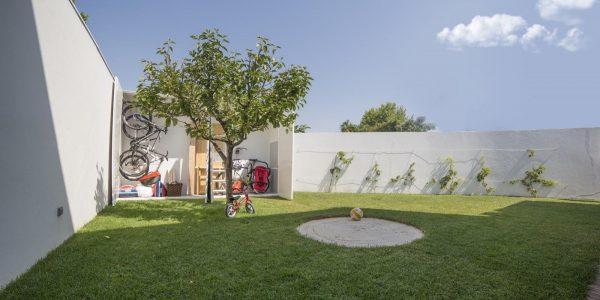 Urban Obras - Portfolio - Remodelação de Exteriores: Um Jardim Funcional