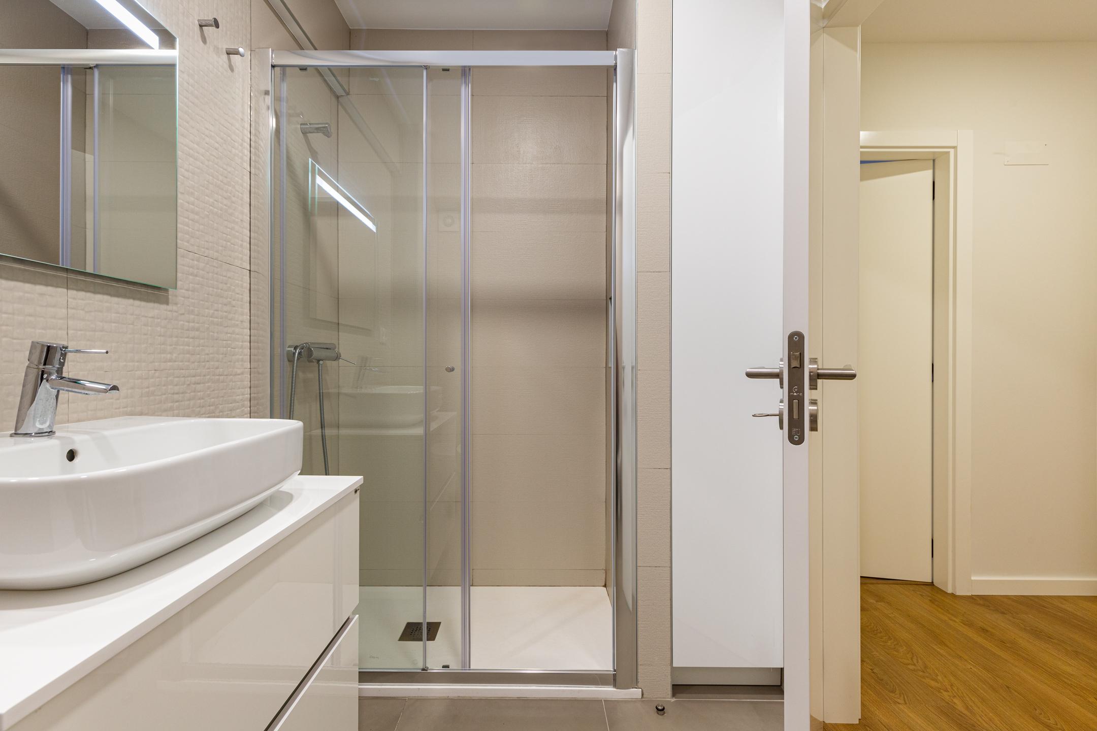 remodelação de casa de banho em Guimarães, apartamento remodelado