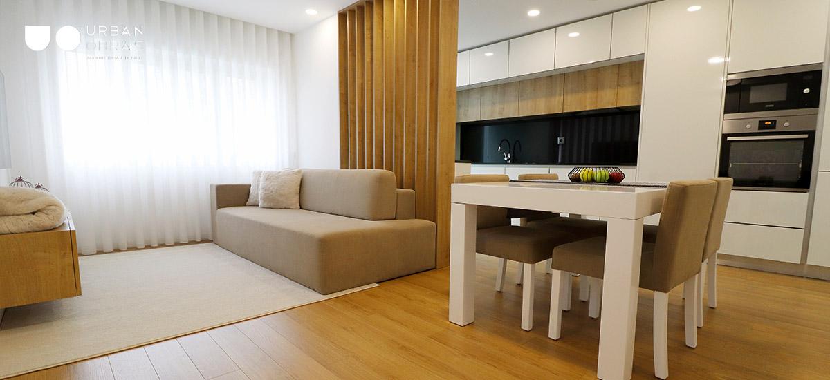 Obras em apartamento, reabilitação de apartamento, sala e cozinha