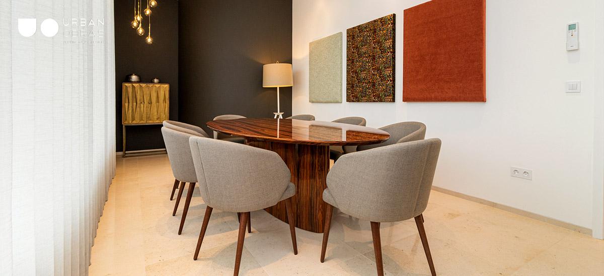 Sala de reuniões em escritório remodelado, decoração de sala de reunião, decoração de espaços de negócios, remodelações de empresas